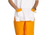 Conjunto unisex cuello pico blanco y naranja.jpg