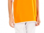 Chaleco ajuste lateral naranja vivo contraste.jpg